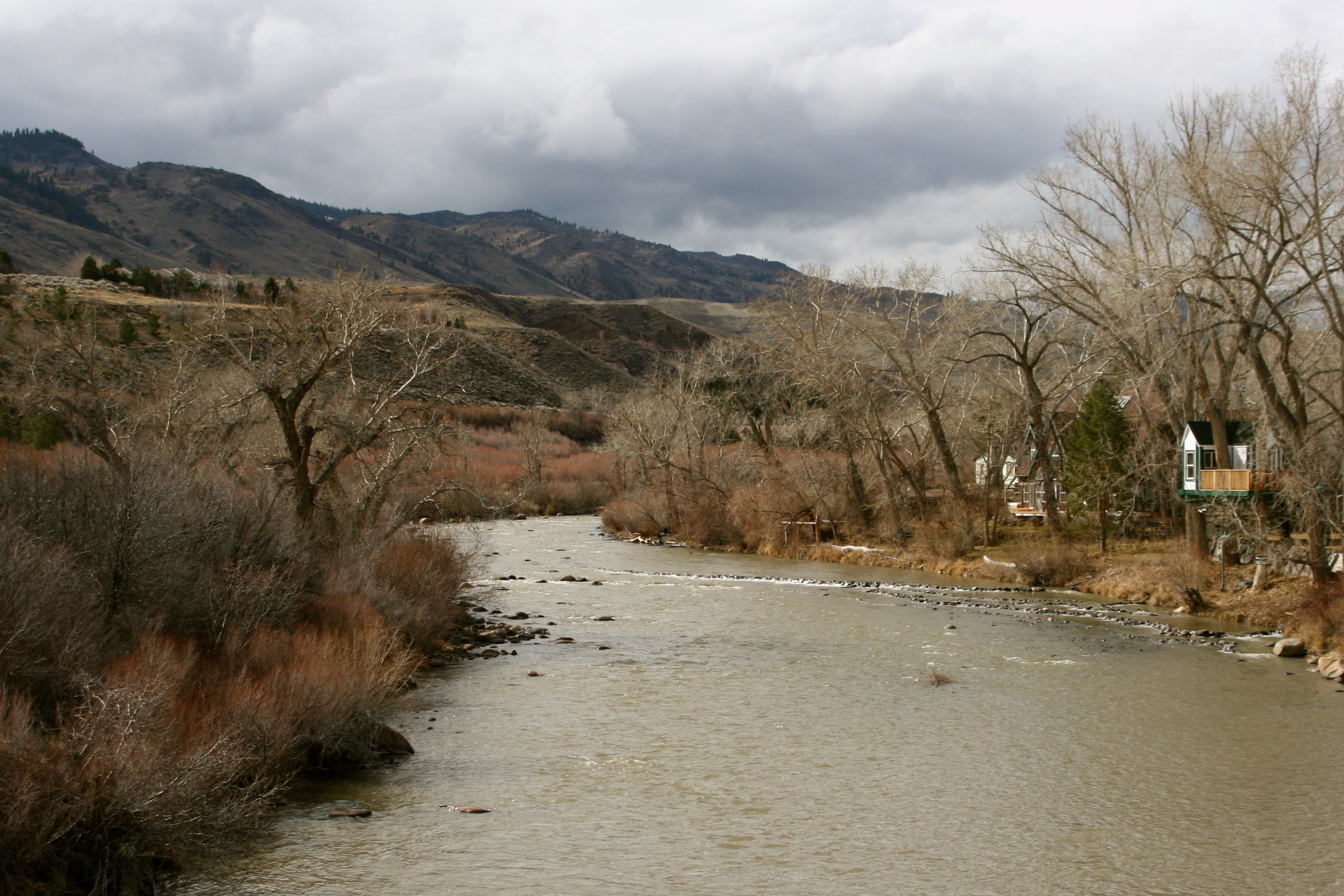 After the rain: The Truckee River from Dorostkar Park bridge, Feb 7, 2015.